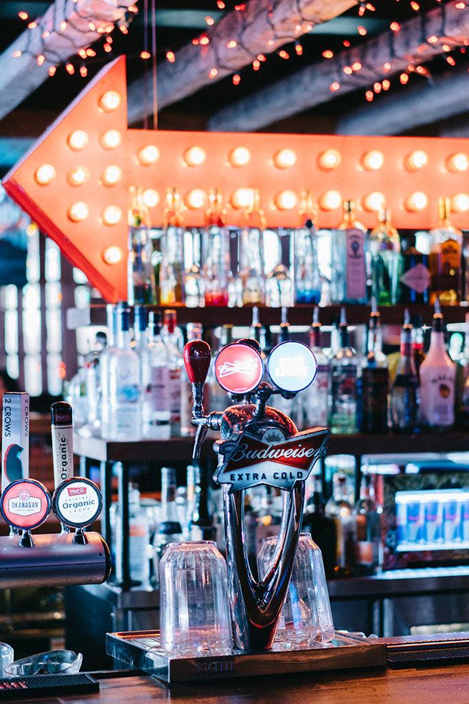 Roxbury-bar
